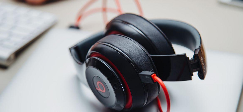 headphones. o uso prolongado pode provocar Perda auditiva induzida por ruído